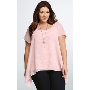 TORRID | Pink Feather Print Blouse 3 3X Top